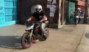 SMP: motociclistas invaden veredas para evitar tráfico