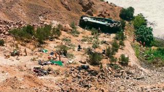 Arequipa: despiste de bus interprovincial deja 7 muertos y 22 heridos