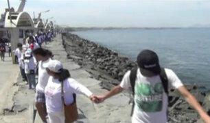 Chimbote: vecinos se  manifiestan contra la explotación petrolera en la región