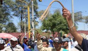 Cajamarca: ronderos castigan a latigazos a esposa de exalcalde