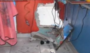 VES: delincuentes hacen forado para robar barbería