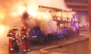 Bus interprovincial se incendió en la Panamericana Norte