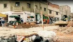 La Victoria: calles invadidas de basura y ambulantes en zona de La Parada