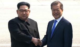 """Kim Jong Un y Moon Jae In acuerdan cooperar para alcanzar la """"paz permanente"""""""