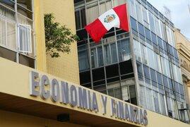Gobierno emite decreto de urgencia para reducir gasto público