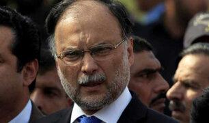 Pakistán: ministro del Interior resulta herido en atentado