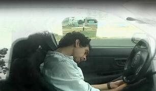 Conductor se queda dormido en su auto en plena av. Salaverry