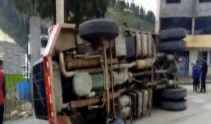 Andahuaylas: cámaras de seguridad captan aparatoso accidente de un volquete