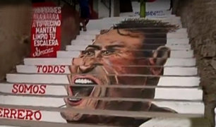 Paolo Guerrero: pintan su rostro en escaleras de El Agustino