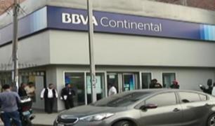 Ate: falsos trabajadores de construcción roban 30 mil soles de entidad bancaria