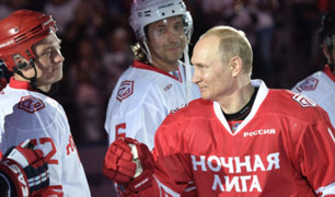 Rusia: Vladimir Putin demuestra sus habilidades jugando Hockey