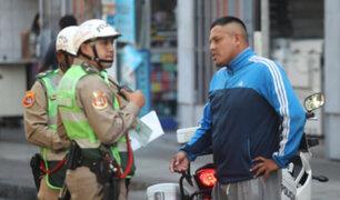 Intervienen a chofer que realizó taxi colectivo por seis años sin brevete