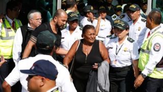 Paolo Guerrero: tras llegar a Lima Doña Peta guardó absoluto silencio