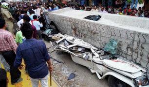 Al menos 16 muertos tras desplome de puente en la India