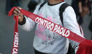 Chorrillos: hinchas esperan llegada de Paolo Guerrero frente a casa de Doña Peta