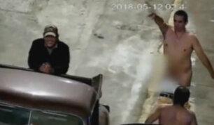 Cañete: cámara capta a dos sujetos ebrios desnudándose en la calle
