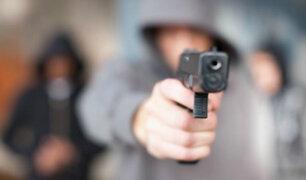 San Juan de Miraflores: mujer es baleada por pandilleros