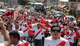 Cientos participan en marcha de apoyo al futbolista  Paolo Guerrero