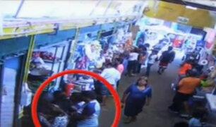 Delincuentes roban 5 mil soles a mujer en mercado de Surco