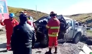 Pasco: dos muertos y diecisiete heridos dejó choque de ómnibus y camioneta
