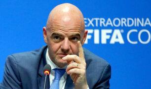 """Presidente de FIFA sobre el VAR: """"Está ayudando al fútbol, no lo está dañando"""""""