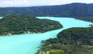 El Salvador: conozca la laguna donde sus aguas cambian de color