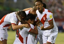 Selección peruana llegó a Suiza en medio de la ovación de hinchas