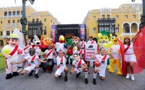 Recordadas mascotas de los Mundiales armaron la previa en el Centro de Lima