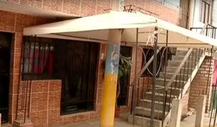 Villa el Salvador: vecinos invaden veredas con escaleras y cocheras