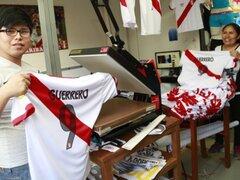 Gamarra: aumentará venta de camisetas con el número 9 de Paolo Guerrero