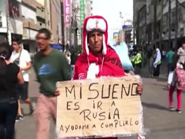 """Hincha 'caminante viajero': """"He gastado 10 mil dólares en seguir a la Selección"""""""