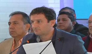 Renzo Reggiardo sí llegó a centro de convenciones donde se realizó debate