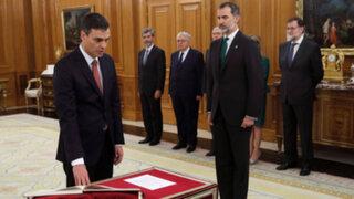 Socialista Pedro Sánchez juró como presidente del gobierno de España