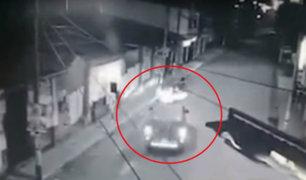 Chanchamayo: cámara capta violento choque entre miniván y mototaxi