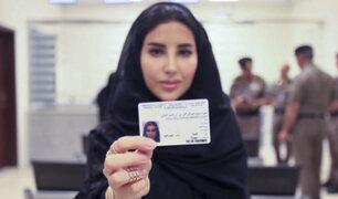Arabia Saudita: entregan las primeras 10 licencias de conducir a mujeres