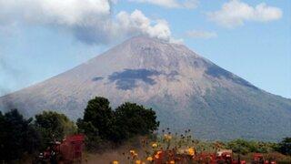 Guatemala sigue en alerta: Volcán de Fuego continúa con explosiones