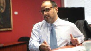 Ministro de Educación advierte que aplicarán descuentos a maestros que acaten huelga