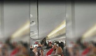 Hinchas peruanos cantan himno nacional en avión camino a Saransk