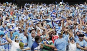 Hinchas uruguayos celebran victoria ante Egipto