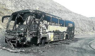 Bus que trasladaba a 40 pasajeros fue consumido por fuego