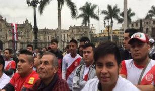 Perú vs. Francia: hinchas se reúnen en la Plaza de Armas para ver partido
