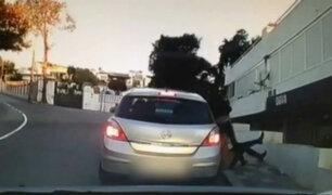 Los Olivos: mujer fue arrastrada varios metros por auto en marcha