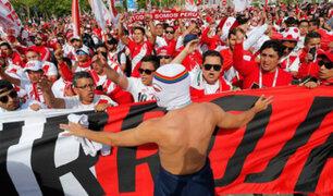 Selección peruana recibió el respaldo de hinchas peruanos y extranjeros