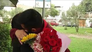 Madre e hijo dejan atrás los rencores y se reencuentran después de 25 años