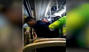 SJL: pasajeros de bus detienen a sujeto que intentó robar a una mujer