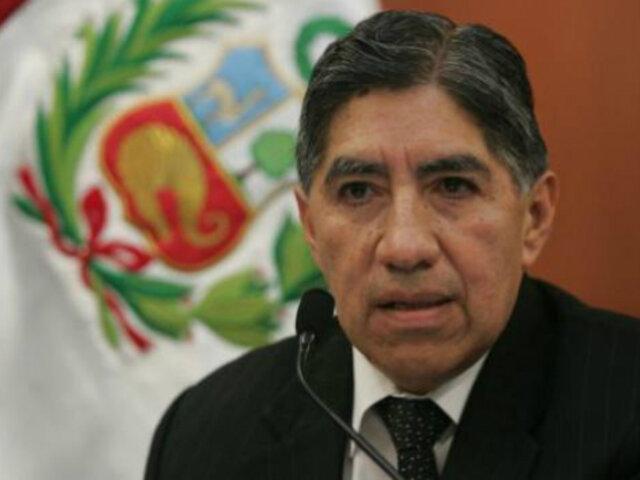 Avelino Guillén: Exfiscal denuncia a sujetos que lo agredieron verbalmente en supermercado