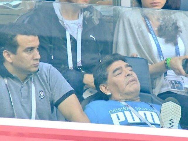 ¡En pleno partido! Maradona se durmió después del gol de Messi