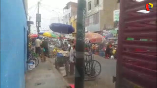 Surco: Ambulantes invaden alrededores del Mercado Jorge Chávez