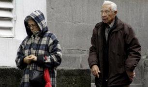 Especialista da recomendaciones para cuidar a adultos mayores del intenso frío