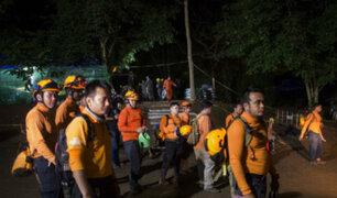 Tailandia: muere uno de los socorristas de niños atrapados en cueva